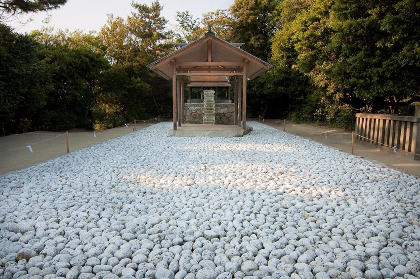 Go'o Shrine by Hiroshi Sugimoto